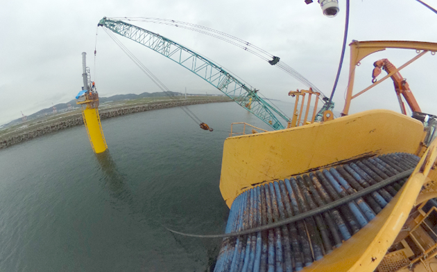北Laying of power cable to floating offshore wind farm off Kitakyushu